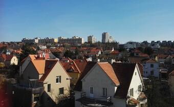 Praha 12 s mapou developerských projektů