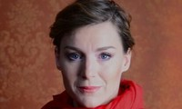 Lenka Krobotová: Domů se musí člověk těšit